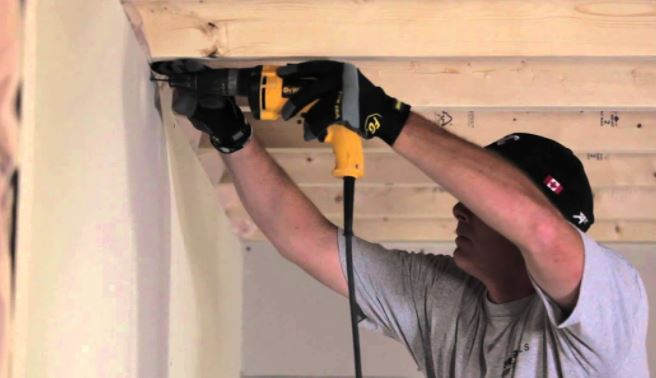 des moines sheetrock installation with drill