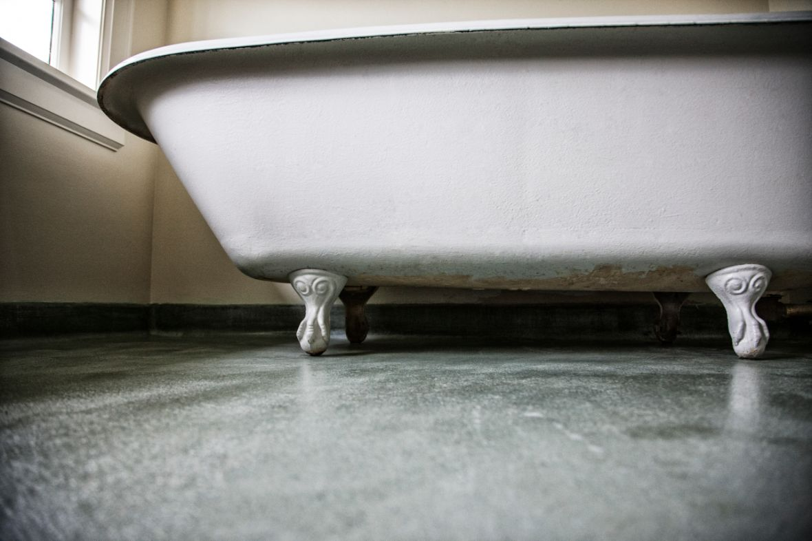 cost cast iron tub refinishing