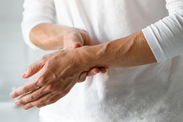 Chiropractic for carpal tunnel syndrome in Medina can speed recovery and improve the healing process.