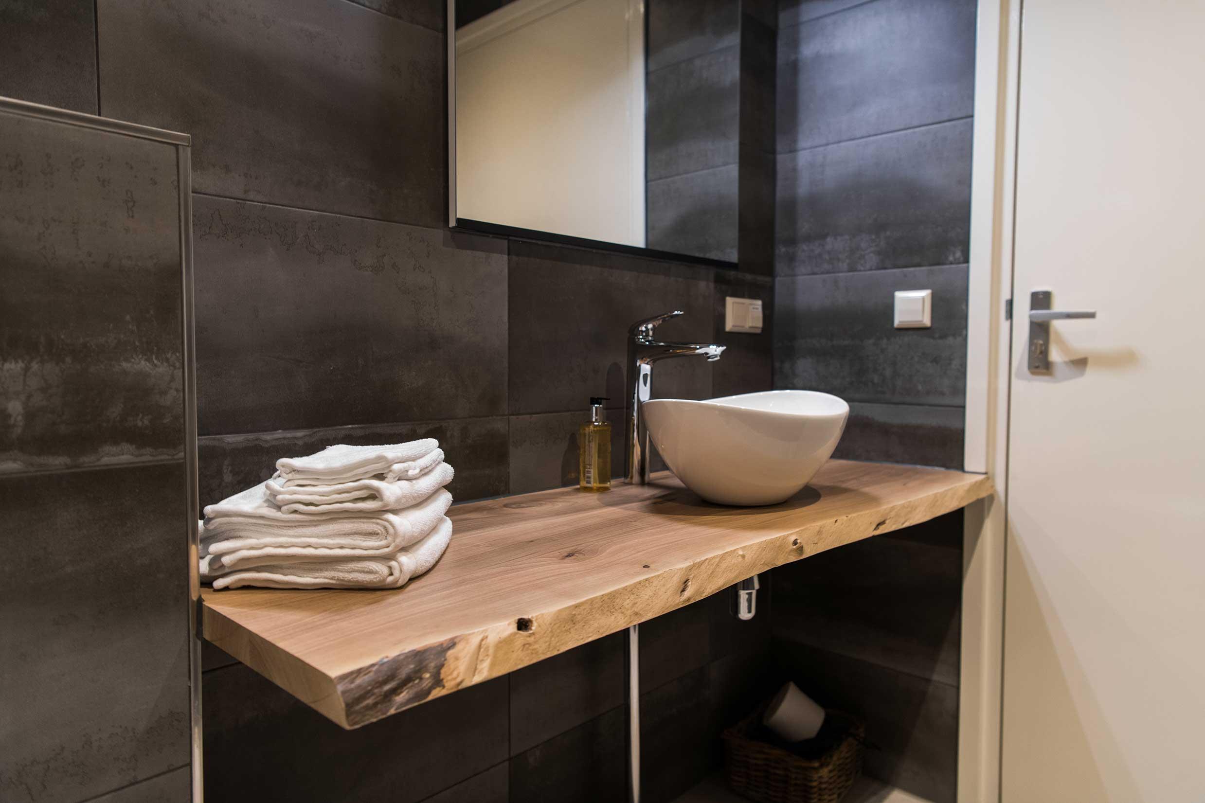 tile and shower refinishing Des Plaines IL